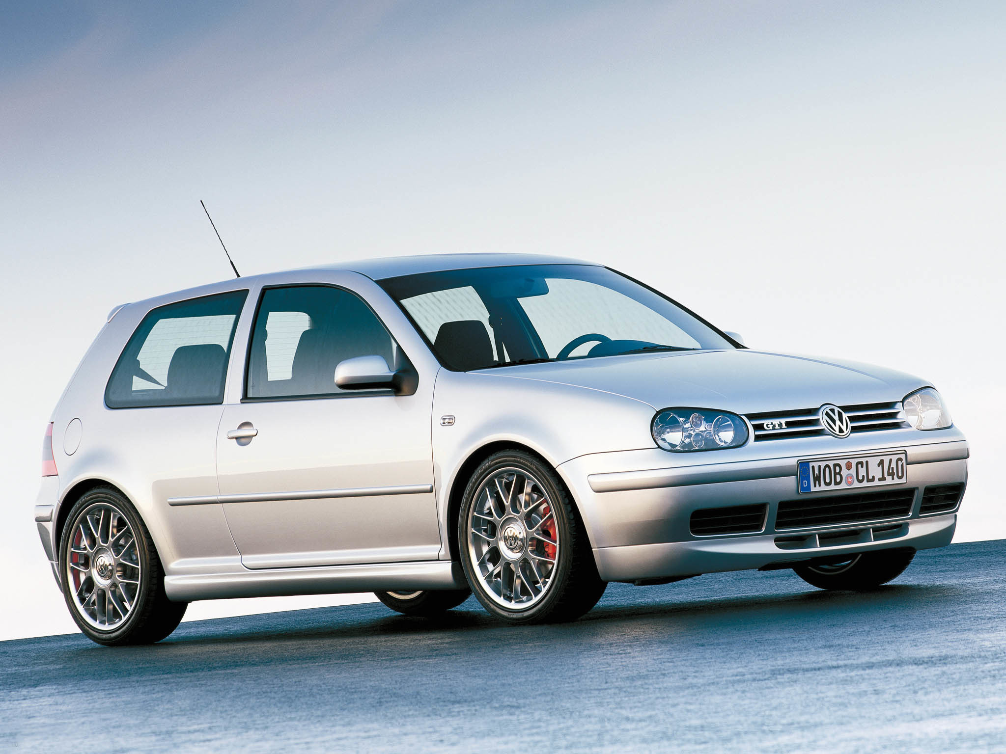 VW-Golf-IV-GTI-25th-Anniversary-1.jpg